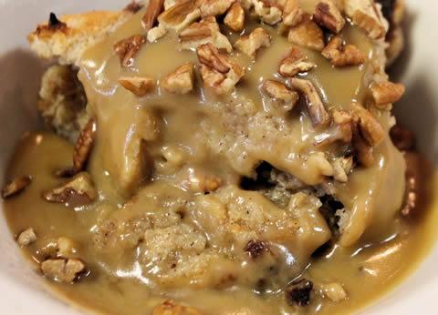 Bread-Pudding New Orleans praline sauce